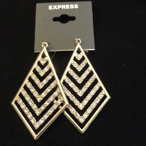 Gorgeous, Express earrings gold.